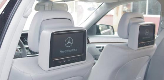mercedes benz kopfst tzen monitor in konsole itc technologie. Black Bedroom Furniture Sets. Home Design Ideas